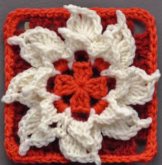 Must Crochet Granny Square Tutorial