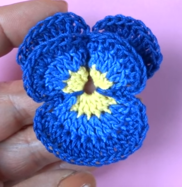 Crochet Cute Pansy Flower