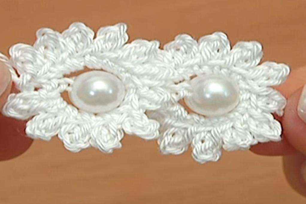 Crochet Mini Flower String Tutorial