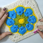 Cute Granny Square With Flower Motif