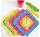 Bright-Granny-Square-Dishcloths (2)