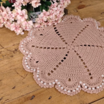 Round Doily With Pearls