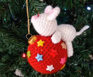Crochet Lovely Christmas Ball Cover