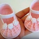 Crochet Baby Girl Shoes In 15 Minutes