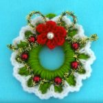 How To Crochet Tiny Christmas Wreath