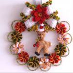 DIY Crochet Lovely Christmas Wreath