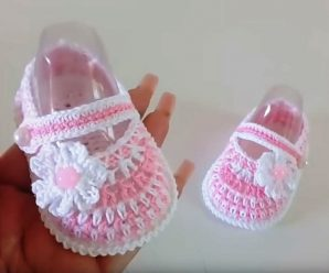 Crochet Baby Girl Shoes With Tiny Flower
