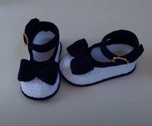 Crochet Lovely Shoes With Tiny Bow