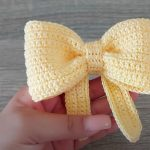 How To Crochet Easy Bow In 10 Minutes