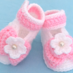 Crochet Baby Shoes With Tiny Flowes