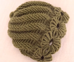Crochet Easy Beanie With Flowers