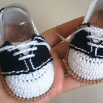 Crochet Moccasin Baby Shoes In 25 Minutes