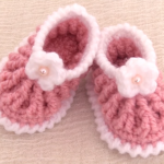 Crochet Elastic Baby Shoes With Tiny Flower